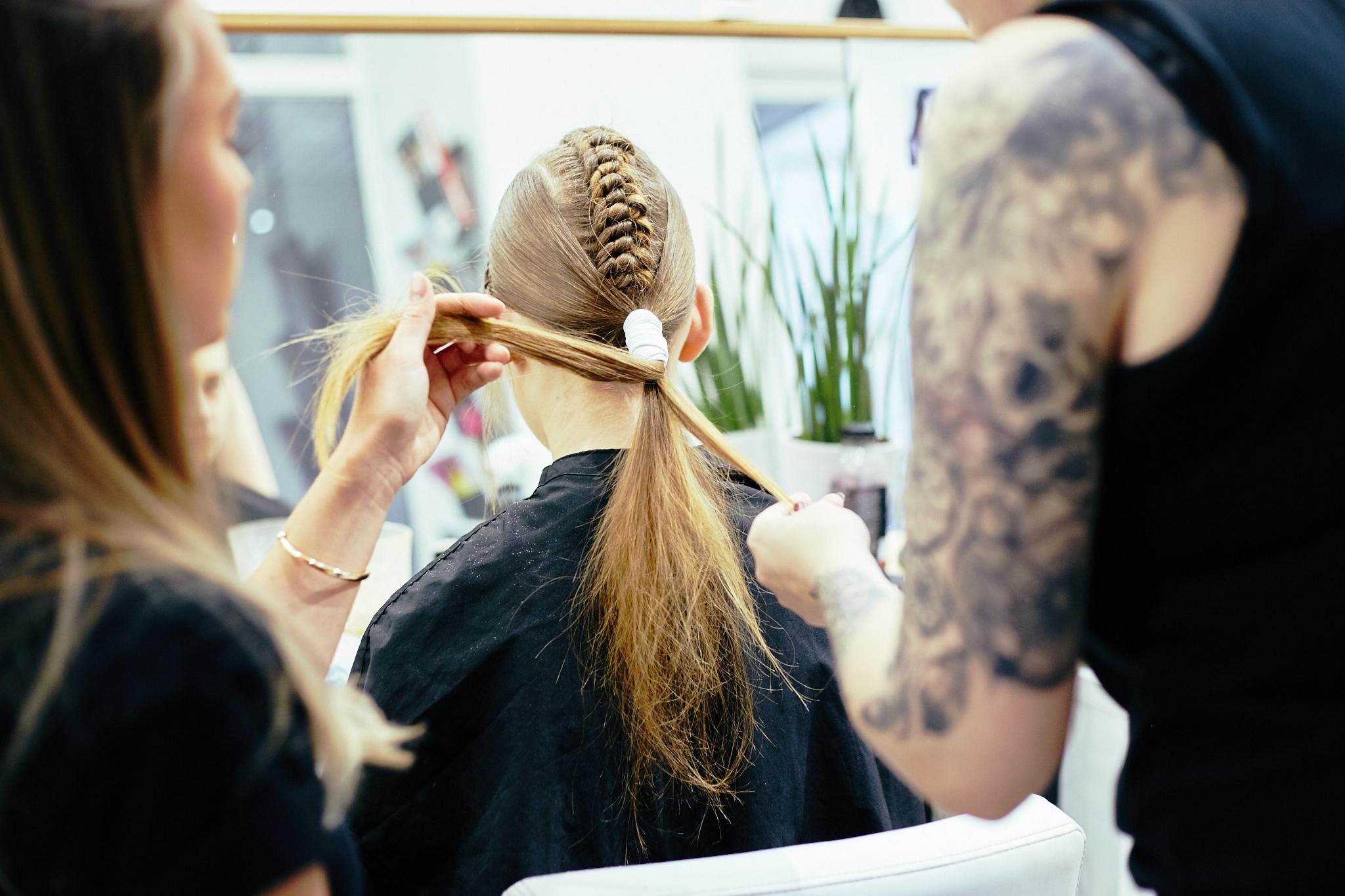 Q_hair_näytös 100
