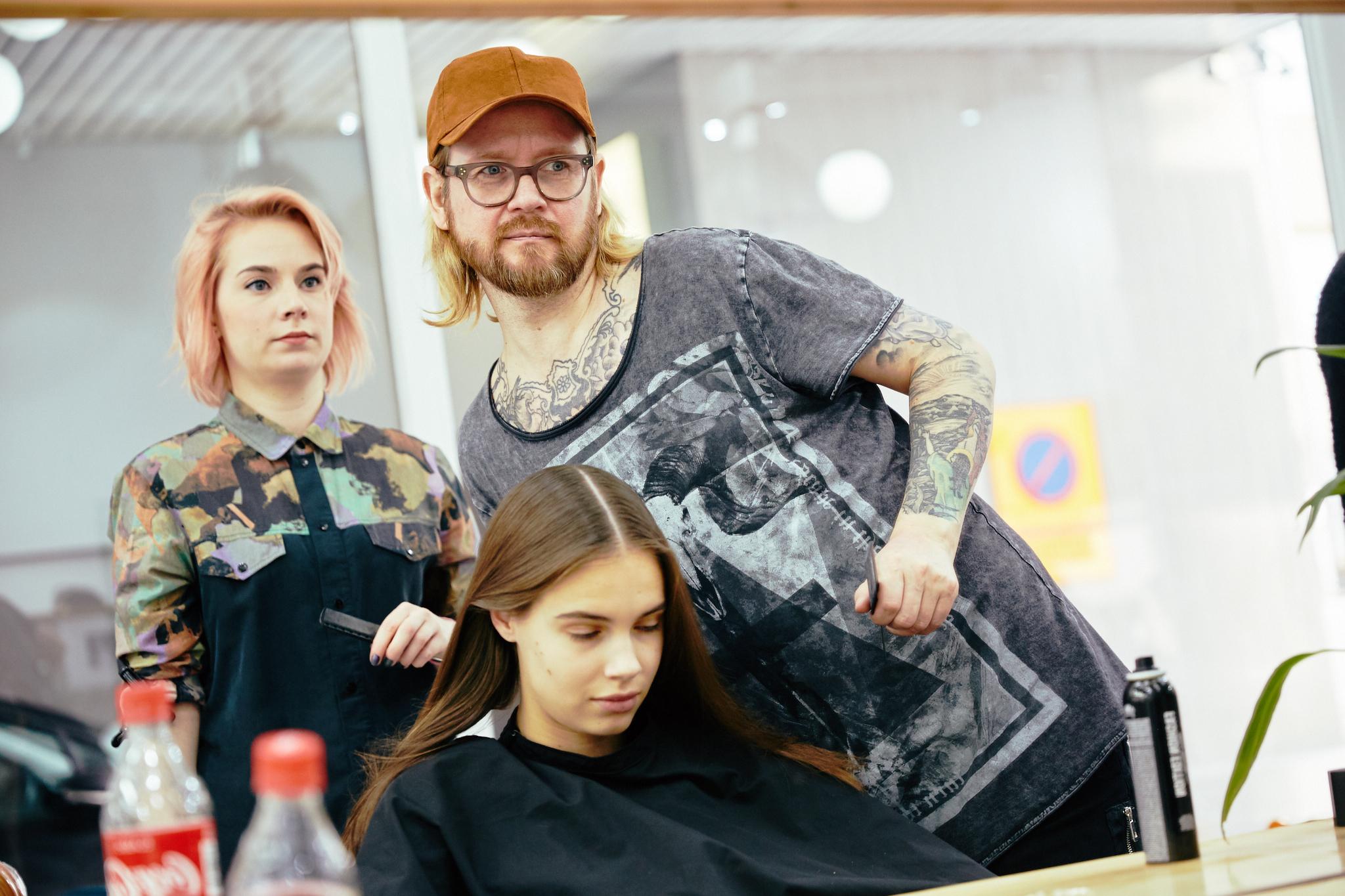 Q_hair_näytös 8